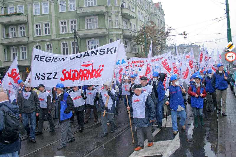 Los trabajadores pulso en Polonia foto de archivo