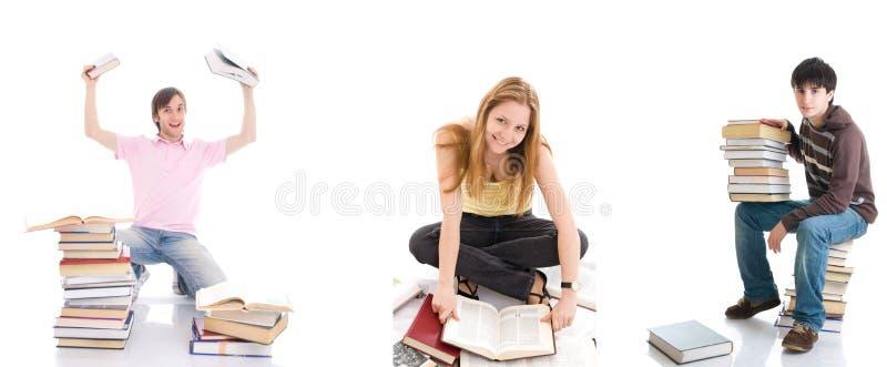 Los tres estudiantes jovenes aislados en un blanco fotografía de archivo libre de regalías