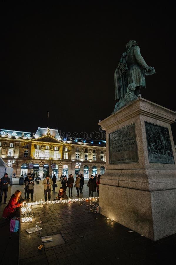 Los tributos que son presentados después de la París atacan los ataques af de París fotografía de archivo