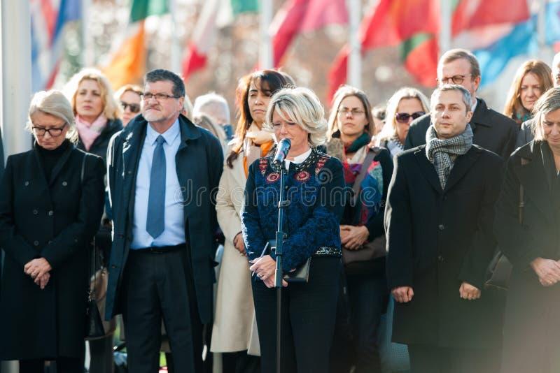 Los tributos que son presentados después de la París atacan los ataques af de París fotos de archivo libres de regalías