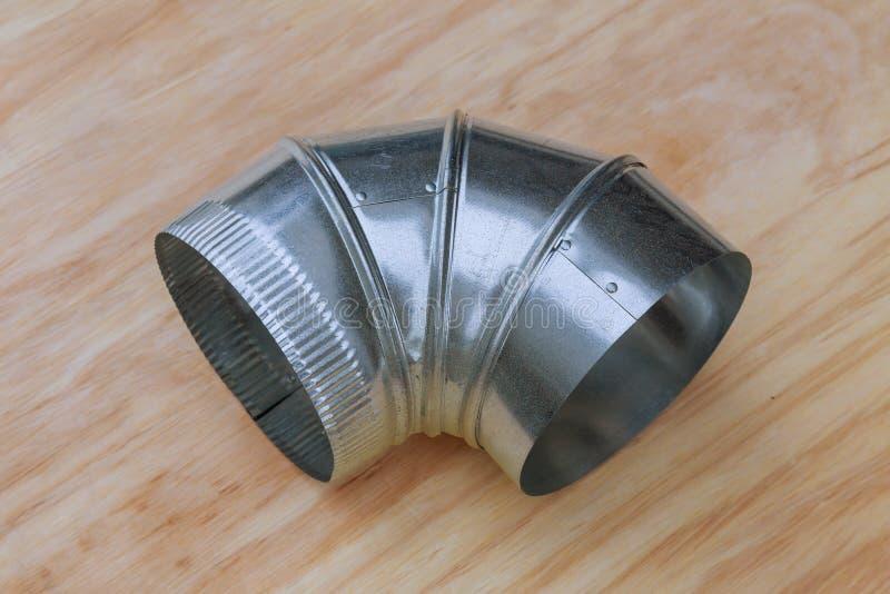 Los tubos de la ventilación de un aire condicionan un tubo de la ventilación del aire imagen de archivo libre de regalías