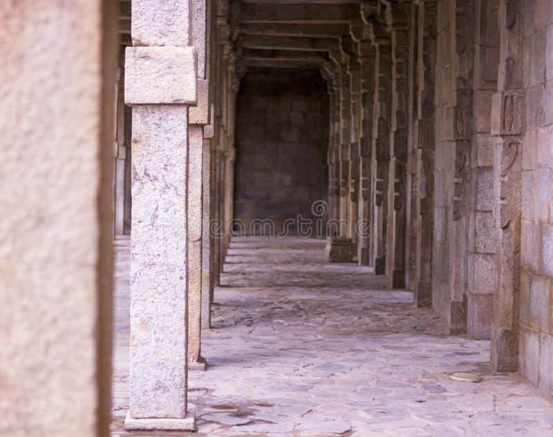 Los vestíbulos restaurados dataron del sultanato de Delhi fotografía de archivo