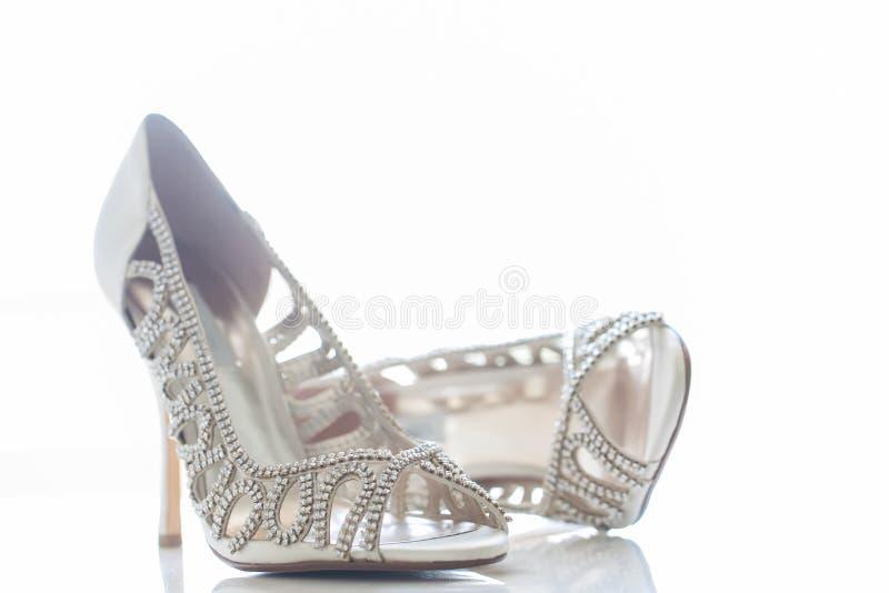 Los zapatos de la novia fotografía de archivo libre de regalías