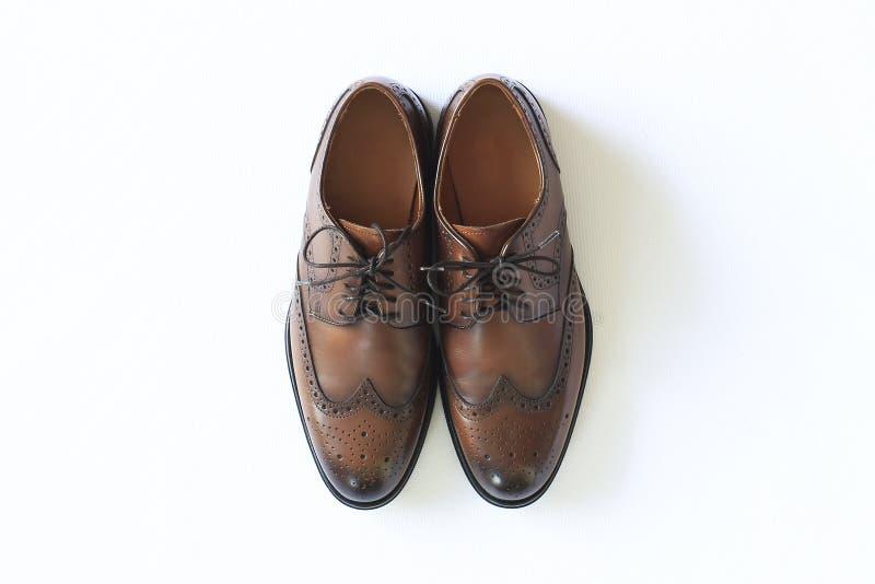 Los zapatos marrones de los hombres cl?sicos imagenes de archivo