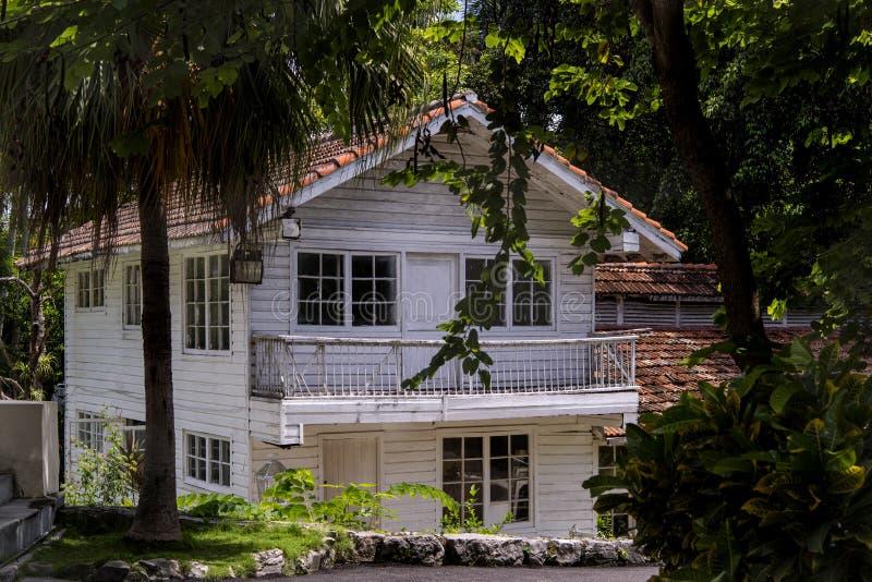 Losgemaakt huis in Cuba stock afbeeldingen