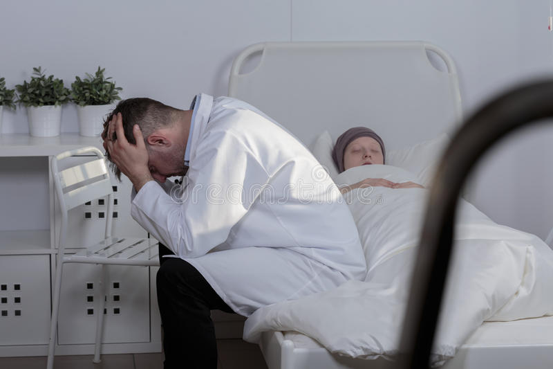 Lossa en patient royaltyfri fotografi