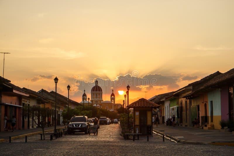 Losu Angeles Calzada uliczny widok przy popołudniem Podróży metaforyka dla Nikaragua obrazy stock