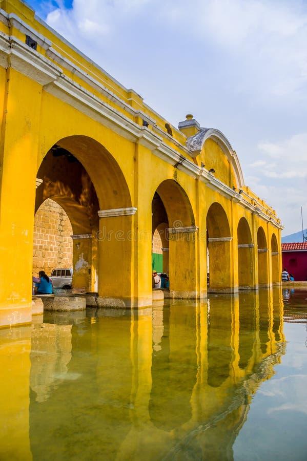 Losu Angeles zrzeszeniowy zbiornik wodny w Antigua Guatemala fotografia stock