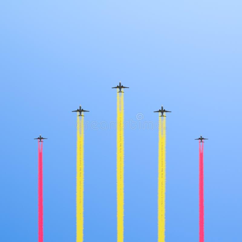 Lot pięć samolotów. obrazy royalty free