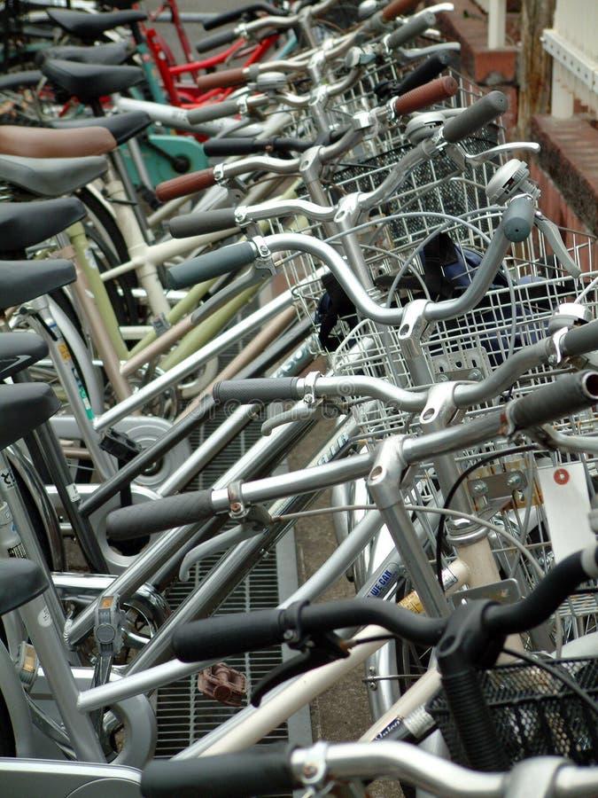 Lote de estacionamento da bicicleta. imagem de stock royalty free
