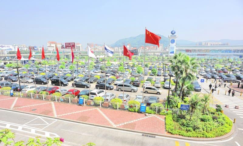 Lote de estacionamento do aeroporto internacional de Shenzhen fotos de stock