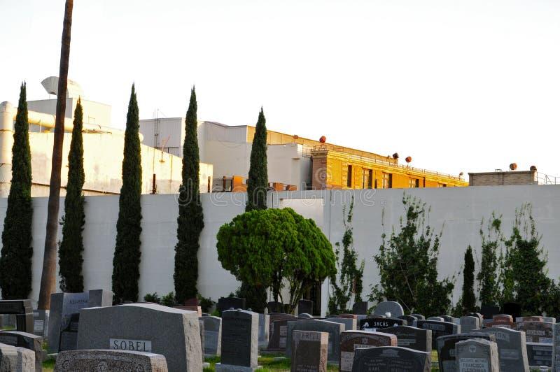 Lote do ` s do estúdio de Paramount e de Hollywood cemitério para sempre imagens de stock royalty free