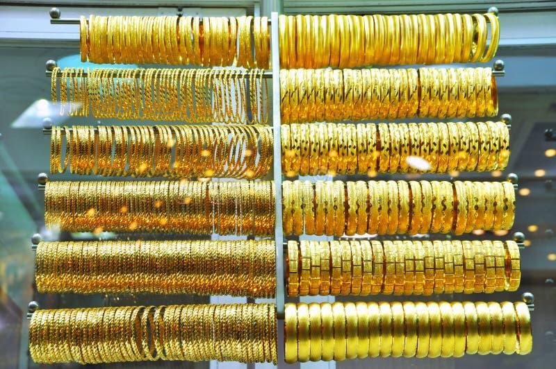 Lotes da jóia do ouro fotos de stock royalty free