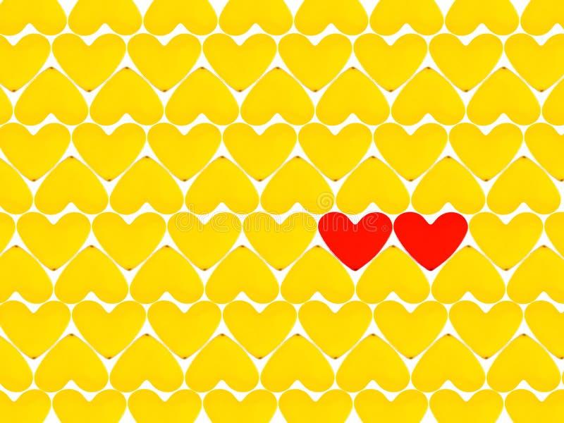 Lotes de corações e do vermelho dois amarelos fotografia de stock royalty free