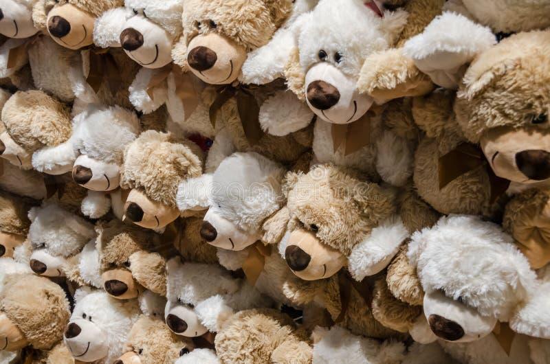 Lotes de ursos de peluche foto de stock