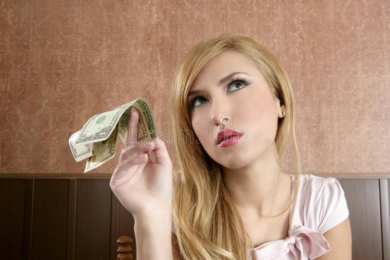 Lotes retros da mulher da ambição de notas do dinheiro do dólar foto de stock royalty free