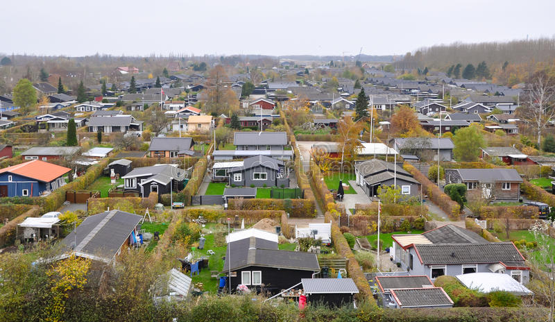 Lotissement scandinave typique à Copenhague, Danemark, une vue aérienne Petites belles maisons colorées image libre de droits