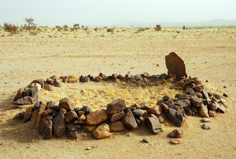 lotnicze pustynne meczetowe góry zbliżać Niger obrazy royalty free