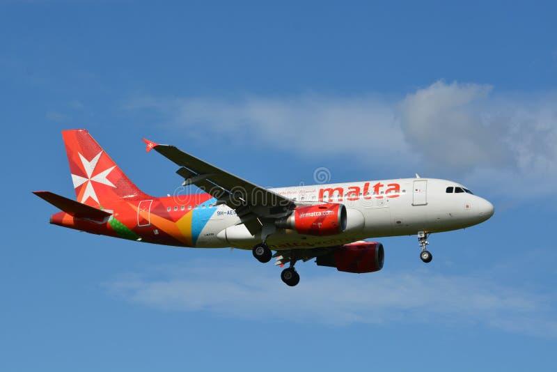 Lotniczy Malta, Aerobus/A319-112, 9H-AEG/ zdjęcie royalty free