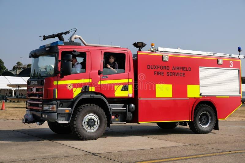 Lotnisko pożarniczy silnik z dachem wspinał się piankowego kanonu obraz royalty free