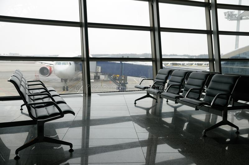 Lotniskowego terminal wyjściowy teren inside fotografia stock