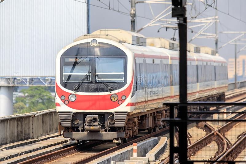 Lotniskowy połączenie kolejowe pociąg Przy Ladkrabang stacją Bangkok, Tajlandia fotografia stock