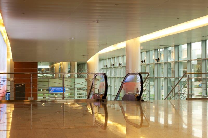 lotniskowy przyjazdowy międzynarodowy hol zdjęcie royalty free