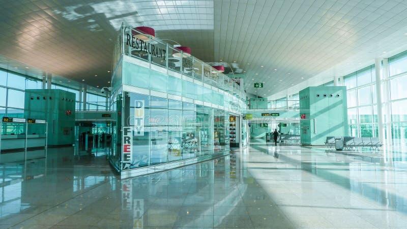 Lotniskowy sala wnętrze, hol strefa, bezcłowa Piękna zaawansowany technicznie architektura zdjęcie royalty free