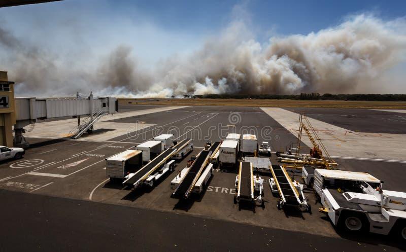 Lotniskowy Szczotkarski ogień w El Salvadore, Ameryka Środkowa obraz stock