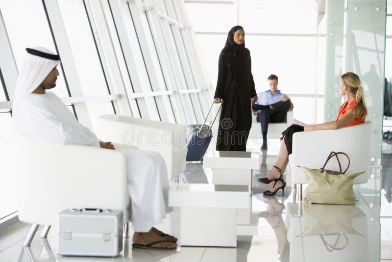 lotniskowy wyjściowy holu pasażerów target3356_1_ obrazy royalty free