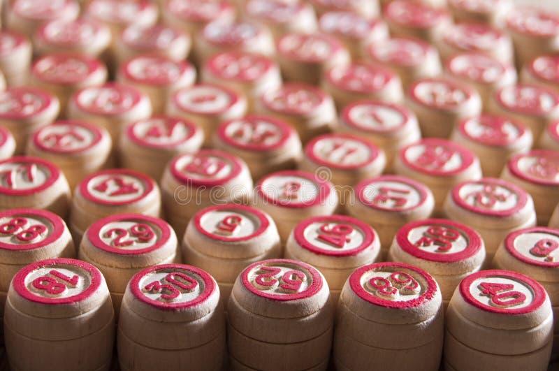 Loto de jeu de société Barils en bois de loto pour un jeu dans le loto Intertainment de groupe, loisirs de famille Jeu de vintage photographie stock libre de droits