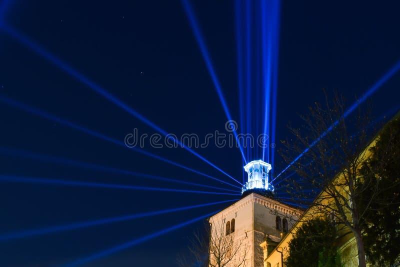Lotrscak塔在萨格勒布,在灯节的克罗地亚期间 库存图片