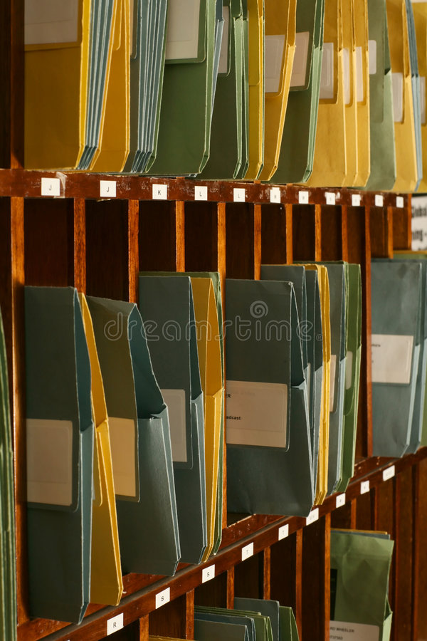Lots Faltblätter, die Dokumente in Taube hol enthalten lizenzfreies stockfoto
