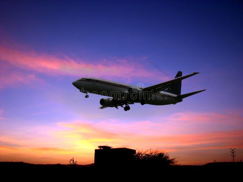 Download Lotta crepuscolare immagine stock. Immagine di aeroporto - 3142801