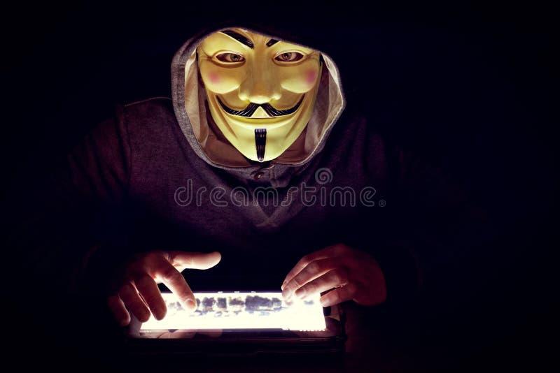 Pirata Informatico Futuristico Che Incide Sicurezza Del ...