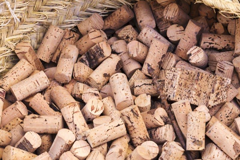Lotti dei tappi del sughero per le bottiglie di vino fotografia stock