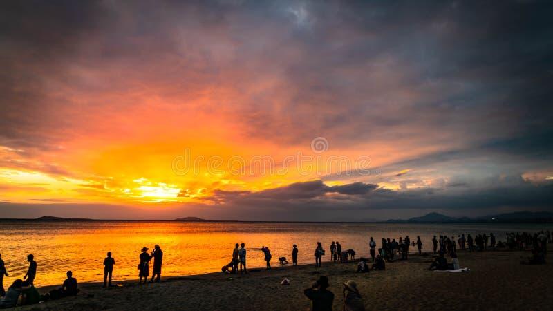 Lotti del turista a Sanya, Cina fotografia stock libera da diritti