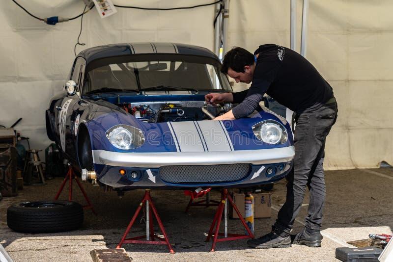 Lotus Elan i montjuic show för bil för andeBarcelona strömkrets royaltyfri fotografi