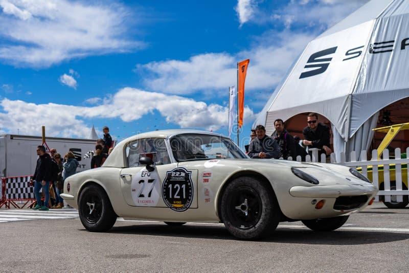 Lotus Elan na feira autom?vel montjuic do circuito de Barcelona do esp?rito fotos de stock royalty free