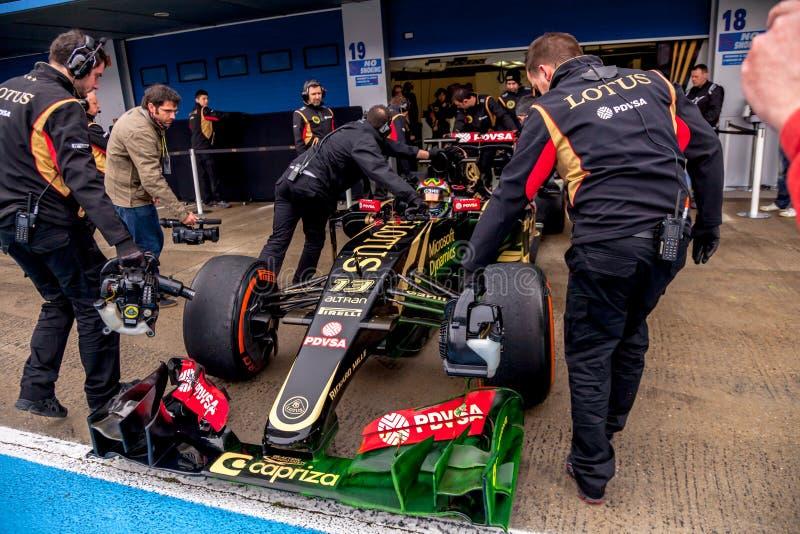 Lotus F1 lag, Pastor Maldonado, 2015 royaltyfri bild