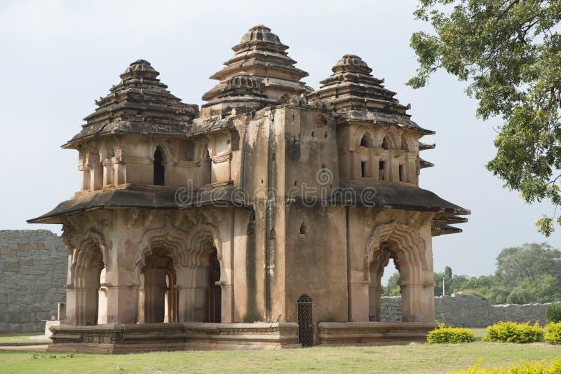 Lotus Mahal arkivbilder