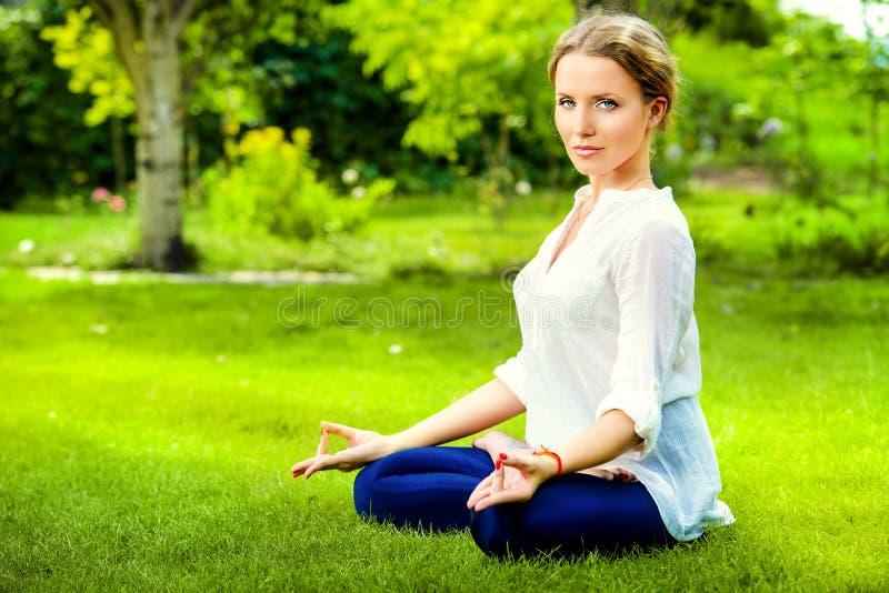 Lotus meditation arkivfoto
