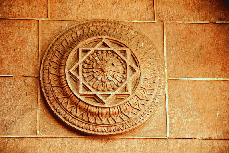 Lotus Petals en piedra fotografía de archivo libre de regalías