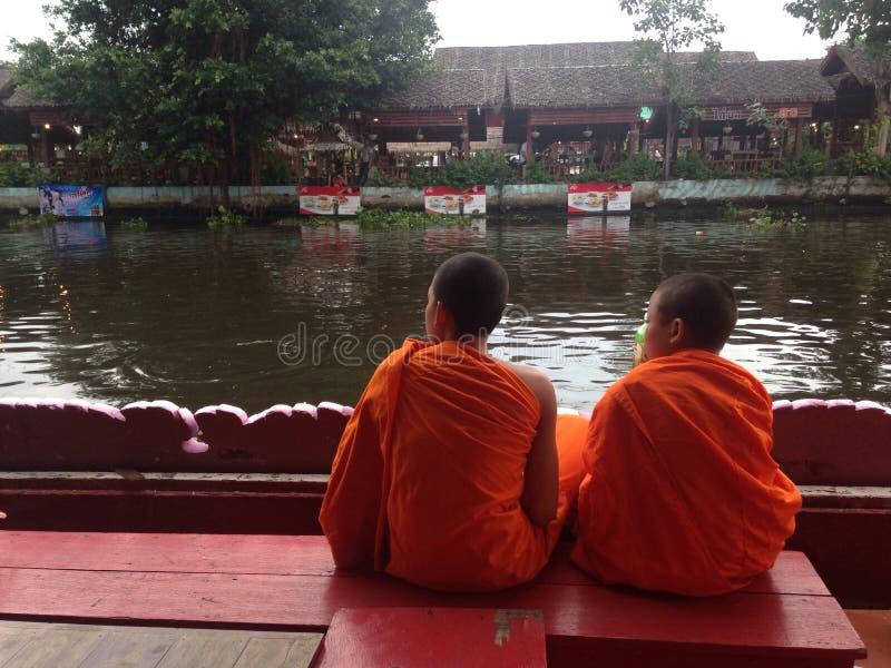 Lotus Receiving Festival - tradição de povos locais em Samutprakran em Samutprakran, Tailândia imagem de stock royalty free