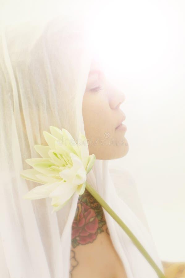 Lotus Yoga Woman sagrado foto de stock royalty free