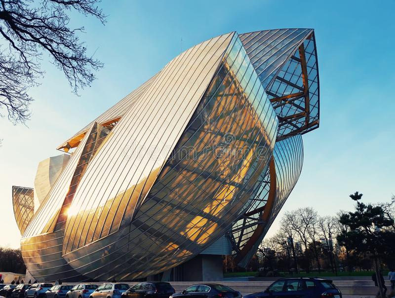 Louis Vuitton Foundation imágenes de archivo libres de regalías