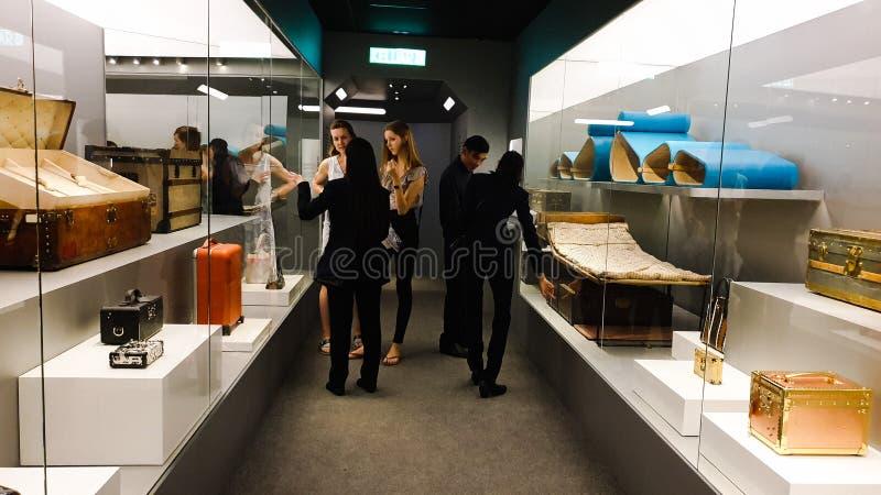 Louis Vuitton Time Capsule Exhibition rymde i den Suria KLCC tvillingbrodern arkivbilder