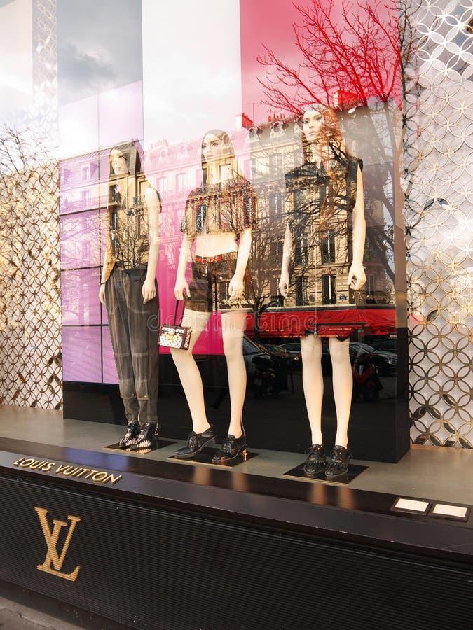 Louis Vuitton-vertoning Champs à ‰ lysées Parijs royalty-vrije stock foto