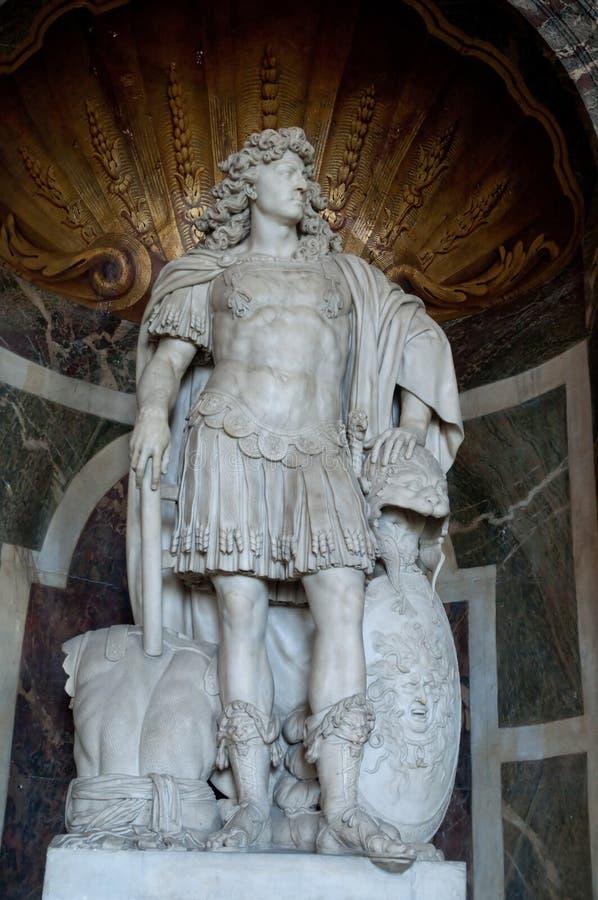 Louis XIV άγαλμα στις Βερσαλλίες στοκ εικόνες