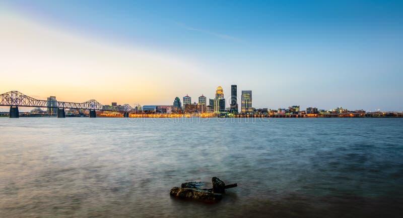Louisville-Sonnenaufgang lizenzfreie stockbilder